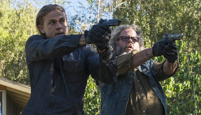 "SONS OF ANARCHY -- ""Poor Little Lambs"" -- Episode 704 -- Airs Tuesday, September 30, 10:00 pm e/p) -- Pictured: (L-R) Charlie Hunnam as Jackson 'Jax' Teller, Mark Boone Junior as Bobby Munson, Niko Nicotera as Rat Boy. CR: Prashant Gupta/FX"