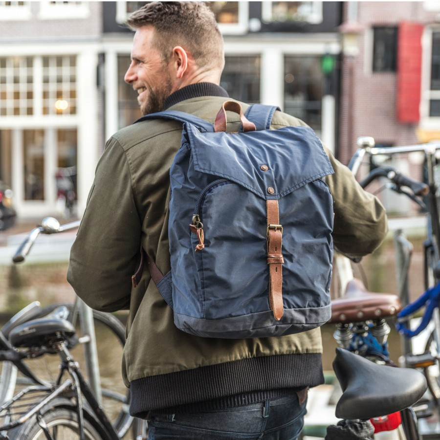propertyof_amsterdam_series_oscar_backpack_navy_brown-2_3