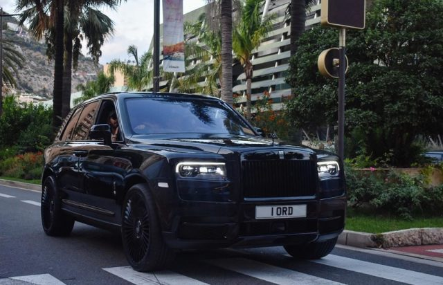Black on black: zo is de Rolls-Royce Cullinan wel héél dik