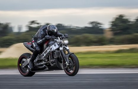 De Madmax Streetfighter, 376 km/u op een naked bike!