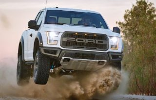Deze custom Ford MegaRaptor is een waar monster!
