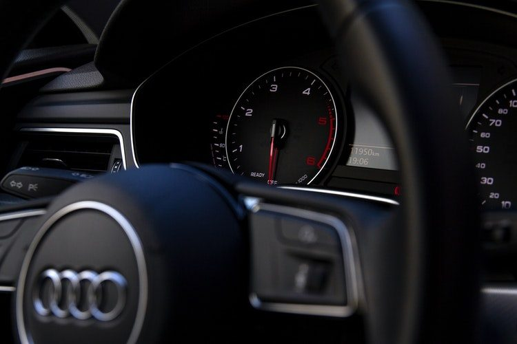 Video: Audi RS6 coureur knalt met 378 km/u over de autobahn