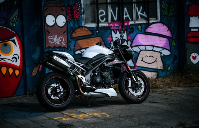 De hooligan naked bike: de Triumph Speed Triple RS