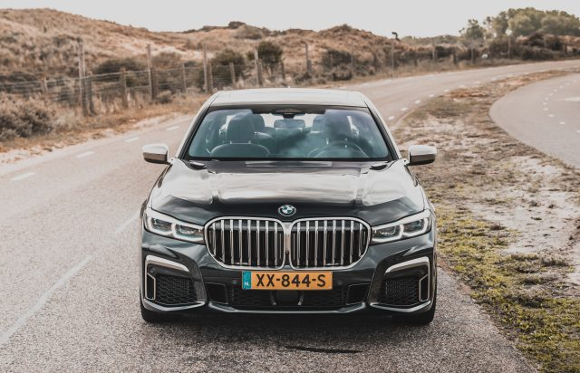 De BMW M760Li, de perfecte combinatie tussen power en luxe?